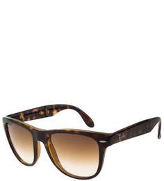 Солнцезащитные очки с пластиковой оправой Ray Ban