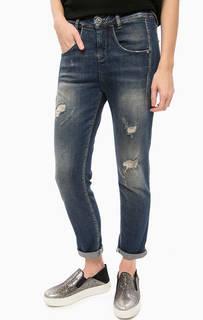 Рваные джинсы с заломами и потертостями Fornarina