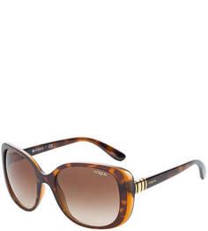 Солнцезащитные очки в пластиковой оправе Vogue