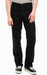 Зауженные джинсы черного цвета Mustang