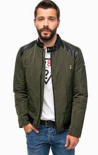 Куртка с зарядным устройством в комплекте Guess