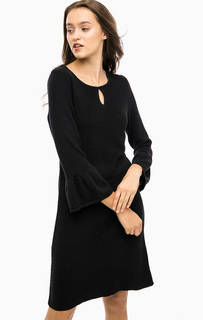 Черное трикотажное платье с расклешенной юбкой More & More