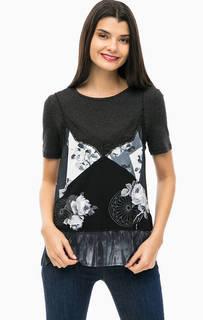 Серая футболка с принтом и кружевной вставкой Desigual