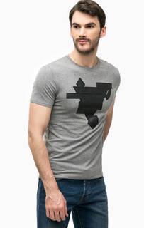 Серая футболка с фактурным принтом Guess