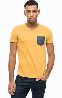 Желтая футболка с треугольным вырезом Tom Tailor Denim