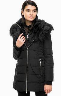 Черная утепленная куртка с капюшоном Guess