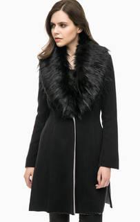 Черное пальто на пуговице MET
