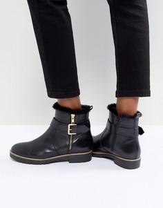 Кожаные ботинки на плоской подошве с молнией сбоку и пряжкой Carvela - Черный