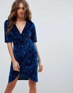 Бархатное платье с запахом Club L - Синий