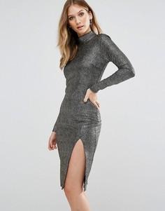 Фактурное облегающее платье металлик с разрезом Club L - Золотой