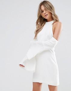 Свободное платье мини с вырезами на плечах Wyldr - Кремовый