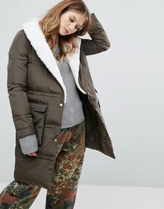Удлиненное стеганое пальто с отделкой из искусственного меха Urbancode - Зеленый