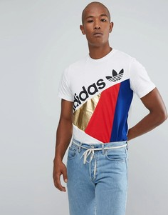 Белая футболка adidas Originals St Petersburg Tribe BS2233 - Белый