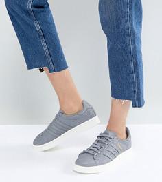 Серые кроссовки с отделкой под кожу змеи adidas Originals Campus - Серый