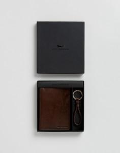 Подарочный набор с кожаной обложкой для паспорта и брелком для ключей Paul Costelloe - Коричневый