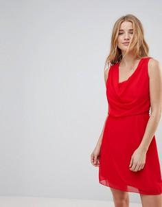 Платье с драпировкой спереди Wal G - Красный