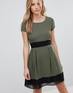 Короткое приталенное платье Wal G - Зеленый