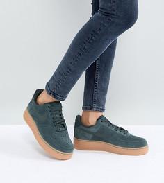 Зеленые замшевые кроссовки на резиновой подошве Nike Air Force 1 07 - Зеленый
