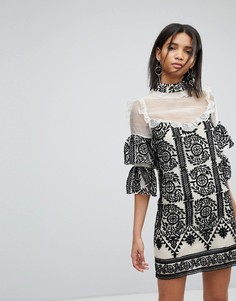 Платье с оборками и вышивкой Elliatt - Черный