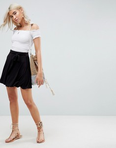 Короткая расклешенная юбка с поясом ASOS - Черный