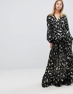 Платье макси с принтом перьев золотистого цвета Y.A.S - Мульти