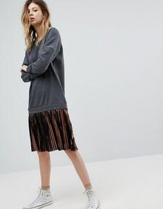 Платье-джемпер с пайетками и плиссированной юбкой Noisy May - Мульти