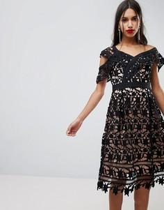 Платье на одно плечо с кружевом Adelyn Rae Whitney - Черный