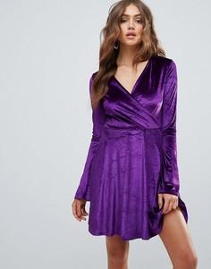 Короткое приталенное платье с рукавами клеш Club L - Фиолетовый