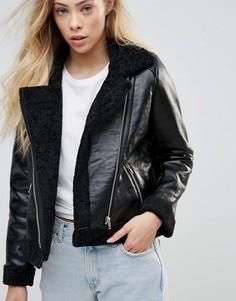 Укороченная куртка из искусственной кожи с подкладкой из искусственного меха с металлическими молниями Goldie Rocky - Черный