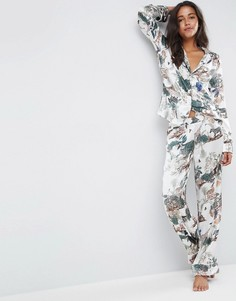 Атласная классическая пижама с принтом в стиле сафари ASOS Premium - Мульти