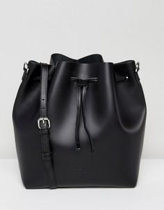 Черная кожаная сумка на плечо с затягивающимся шнурком Sandqvist Marianne - Черный