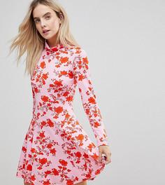 Платье мини с воротником поло и цветочным принтом ASOS PETITE - Розовый