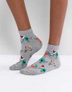 Блестящие носки с новогодним принтом овощей и елочных шаров ASOS - Серебряный