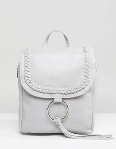 Рюкзак с кольцом и кисточкой Glamorous - Серый