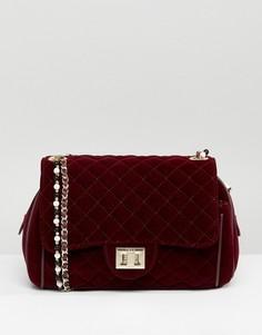 Бархатная сумка через плечо с жемчужной отделкой Marc B Knightsbridge - Красный