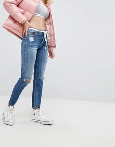 Джинсы с завышенной талией и рваными коленями Tommy Jeans Izzy - Синий