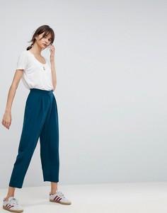 Широкие зауженные брюки со складками ASOS - Зеленый