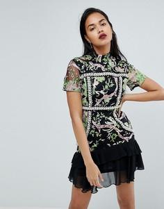 Платье мини с высоким воротом PrettyLittleThing Premium - Черный