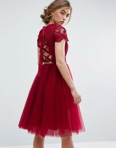 Платье миди из тюля со шнуровкой на спине Chi Chi London - Красный