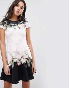 Короткое приталенное платье с принтом Ted Baker Antana - Розовый