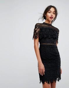 Кружевное платье мини с высоким воротником Chi Chi London - Черный