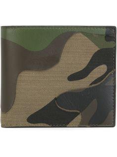кошелек с камуфляжным принтом  Valentino
