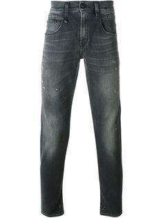 джинсы с потертым эффектом R13