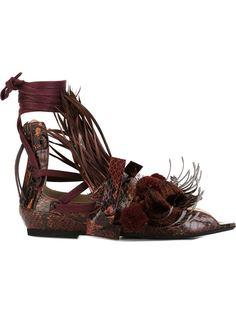 сандалии с кисточками Nº21