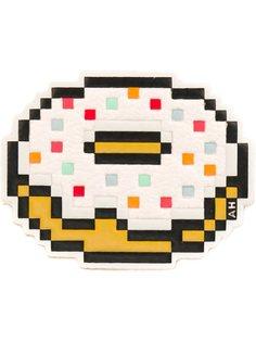 наклейка с изображением пончика Anya Hindmarch