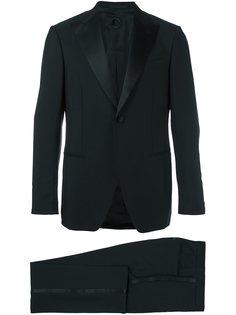 классический строгий костюм Caruso