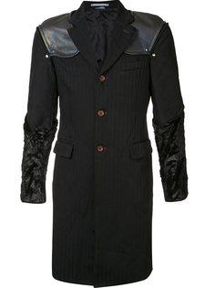 полосатое пальто с подчеркнутыми плечами Comme Des Garçons Homme Plus