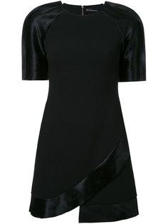 платье с контрастными рукавами David Koma