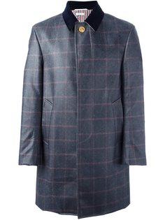 клетчатое пальто с контрастным воротником Thom Browne