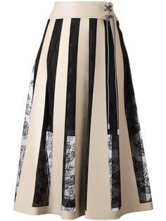 юбка в кружевную полоску на шнуровке Christopher Kane